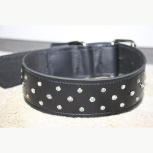 2. Real leather collar