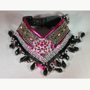 2. V-shape royal collar